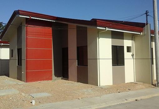 Las casas de naga duplex house and lot for sale in naga for Casa moderna naga city prices